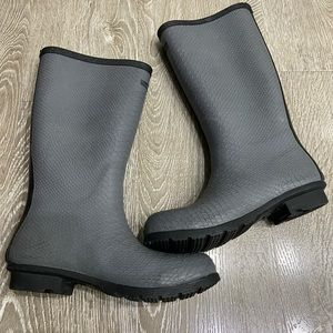 Bearpaw Constance knee high rain boots NWOT